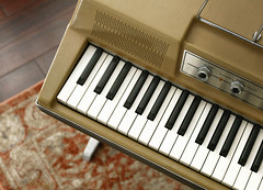 Wurlitzer 206a Electronic Piano (paulinaksalmas) Tags: wurlitzer electronic piano vintage analog keyboard 1960s 1970s amplifier recording studio musical instrument