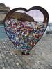 Teneriffa (villa.chaos) Tags: tenerife herz plastikverschlüsse hafen skulptur plastiksammler plastik