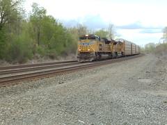 DSC04785 (mistersnoozer) Tags: csx up locomotive emd train railroad