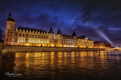 La Conciergerie and the Eiffel tower (marko.erman) Tags: conciergerie eiffel tower paris france seine river city architecture monument history famous popular night longexposure wideangle highriver pov bluehour heurebleue reflections light illuminations beautiful palaceofjustice water sony cityscape