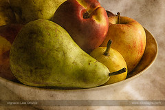 Fruity still life (ILO DESIGNS) Tags: 2017 artística bodegón creativa d3300 frutas pictórica septiembre texturing pictorial fruits fruity indoor interior naturallight food color closeup 18105 fineart autor home hogar stilllife