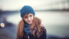 Mira - tél (hispan.hun) Tags: portrait portraitphotography portraitlens portraits portré sonyphotography sony sonya7 hispansphotoblog hispanhu canon canonfd girl redhair komplementer winter water river duna danube budapest hungary smile blueeyes hat woman