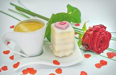 Valentine's Day (ingrid eulenfan) Tags: valentinstag valentinesday petitfour espresso rose kaffeepause coffebreak herz heart liebe love kuchen lebensmittel 7dwf