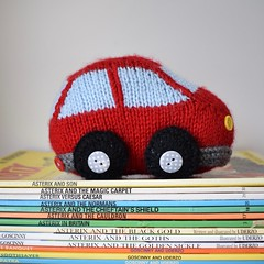 Bubble Car (Knitting patterns by Amanda Berry) Tags: cara car toys toy knits knitting knitted knitter knitters transport amanda berry fluff fuzz ravelry red asterix