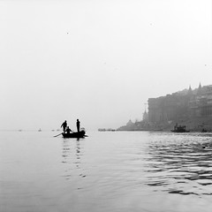 Varanasi, and the Ganges 005 (haribote) Tags: carlzeiss varanasi india cf100mmf35 hasselblad cityscape trix 503cw 400tx kodak uttarpradesh インド in