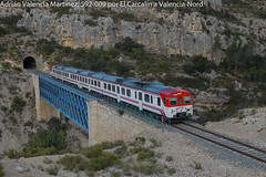A volar!! (Adrián Valencia Martínez) Tags: renfe cercanias explore 592 tren diesel pantone buñol barranco puente via