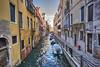 VENEZIA. IL CANALE DAL PONTE DE LE TETTE. (FRANCO600D) Tags: venezia venice venedig venecia veneto ve italia italy italie italien bellitalia serenissima canale rio ponte riodeletete barche fondamenta fondamentasangiovannilaterano canon eos600d sigma franco600d 1204 88 47