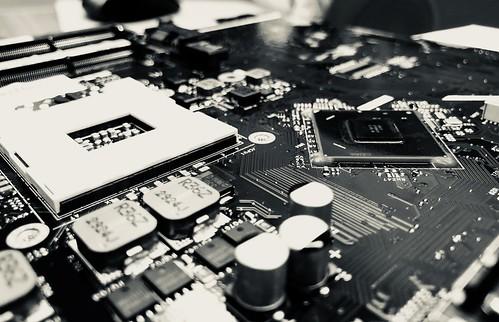 B&W motherboard circuits