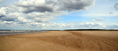 Holkham Beach (Worthing Wanderer) Tags: norfolk summer sunny farmland coast seaside nelson holkham burnham hero august
