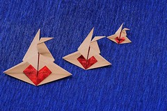 Crane in Love (Elsje van de Ploeg) (De Rode Olifant) Tags: origami craneinlove elsjevandeploeg marjansmeijsters paper paperfolding origamicrane crane love diagrams heart valentine valentinesday bosconventionbook1992 elfa papiroflexia
