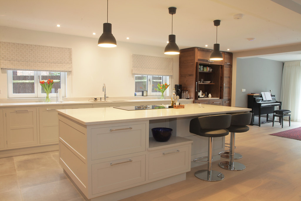 The world 39 s most recently posted photos of kitchens flickr hive mind Kitchen design of sevenoaks