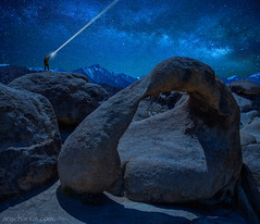 Perfect Night at Mobius Arch in Alabama Hills (Ansgar Hillebrand) Tags: nikon d800e d800 d810 d850 nikond800e nikond800 alabamahills usa usasouthwest cali kalifornien night nightshot nightsky milkyway milchstrasse milchstrase mountwhitney arch