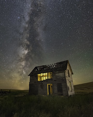 After Glow (Flint Roads) Tags: milkyway palouse usa wa washington abandoned airglow decay deteriorated forsaken house lonely night nightsky old rural stars windows