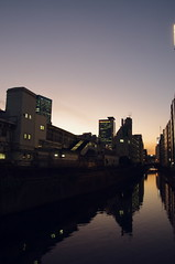 Tokyo Dusk 東京の夕方 (runslikethewind83) Tags: tokyo river dusk sky sun 2018 urban japan water reflect sunset 東京 夕方