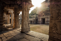 Hampi rocks (SteTre.) Tags: hampi india temple sun light stone karnataka in