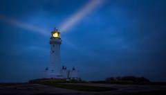 Lemonade (urfnick) Tags: red canon eos 1300d yorkshire flamborough lighthouse bluehour beam sky sundaylights