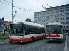 Brno trolleybuses Nos. 3615 and 3035 (johnzebedee) Tags: trolleybus transport publictransport vehicle brno czechrepublic johnzebedee skoda skoda25tr skoda21tr