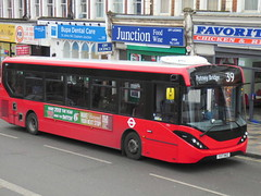 YX17NKZ (47604) Tags: yx17nkz red bus clapham jct junction route service 39 putneybridge