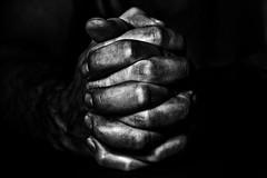 hands (Kati471) Tags: hands hände verschränkt crossed bw sw makro mann männerhände menhands monocrom
