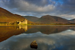 Spotlight (images@twiston) Tags: spotlit spotlight loch awe reflections super still water mirror mirrorlike reflection ruins ruin castle kilchurn lochawe dalmally argyllandbute argyll mountains imagestwiston beautiful morning scottish scotland mountain hill hills lake serene calm dawn golden hour light sunshine a85 remote highlands scottishhighlands highlandsofscotland valley landscape glen western schottland caledonia ecosse escoia alba medieval argyllbute atmospheric tranquil mystic magical historicscotland sunrise