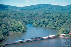 Q-Cabs on the Hudson (jwjordak) Tags: c408w bridge river cr intermodal hillside ns clouds 6210 mountain conrail norfolksouthern train cortlandtmanor newyork unitedstates us
