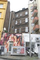 schmale Fenster (rainer.marx) Tags: köln colonia cologne fz1000 lumix panasonic leica sprayer graffiti