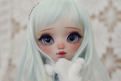 Helloo! I'm Yumi :D (-Poison Girl-) Tags: pullip pullips doll dolls custom customs yumi poisongirlsdolls poisongirldolls poison girl for adoption fa february febrero 2018 mint turquoise hair wig long wavy waves fringe bangs haircut lemon eyes eyechips realistic blue handmade handpainted repaint repainted paint makeup faceup sweet cute natural kawaii japan collector stock body white skin skintone carving carved nose freckles pecas mouth lips eyeshadoe eyebrows eyelashes jun planning groove grooveinc junplanning