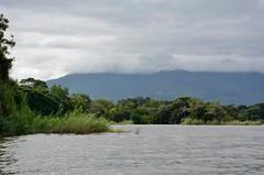Lago de Nicaragua (Las Isletas) (zug55) Tags: volcánmombacho volcán mombacho volcano lagodenicaragua lakenicaragua lagonicaragua lago lake lagococibolca lakecocibolca cocibolca nicaragua mardulce granlago granlagodulce lagodegranada granada lasisletas