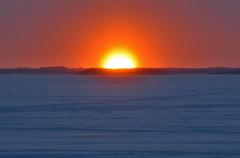 Joensuu - Finland (Sami Niemeläinen (instagram: santtujns)) Tags: joensuu suomi finland talvi winter lumi snow ice frozen jää koivuniemi aurinko sun sunset auringonlasku pyhäselkä lake järvi