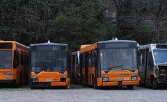 AMT 4514 e 4526 (Lu_Pi) Tags: amt genova autobus bus busaccantonato busradiato autobusradiati bolzaneto bredamenarinibus bmb m230mu