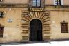 Puerta / Door (Rafa Gallegos) Tags: puertas cáceres extremadura españa spain puerta door antiguo old arquitectura architecture
