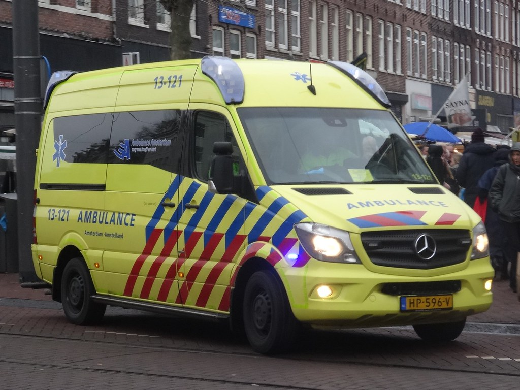 The World's newest photos of ambulance and sidecode9