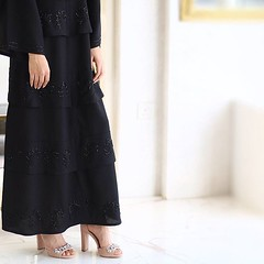 #Repost @iftamy_ with @instatoolsapp ・・・ . اجمل حظوظ القلب إنّها سكنته💘 - عبيها جداً راقية .. شكراً حبيبتي @blackgold.design ✨ #subhanabayas #fashionblog #lifestyleblog #beautyblog #dubaiblogger #blogger #fashion #shoot #fashiondesigner #m (subhanabayas) Tags: ifttt instagram subhanabayas fashionblog lifestyleblog beautyblog dubaiblogger blogger fashion shoot fashiondesigner mydubai dubaifashion dubaidesigner dresses capes uae dubai abudhabi sharjah ksa kuwait bahrain oman instafashion dxb abaya abayas abayablogger