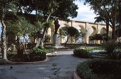 Upper Barrakka Gardens (demeeschter) Tags: malta valletta city town building architecture street palace bastion fort sea mediterranean harbour