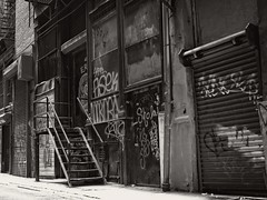 Cortlandt Alley, NYC (SG Dorney) Tags: ny nyc newyorkcity bw blackandwhite alley graffiti manhattan downtown