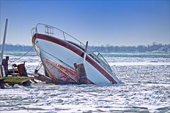 Got Insurance? (Sue90ca Flic*kr Is Finicky, Unable To Comment) Tags: canon 6d sink boat ice river theflickrloungeweeklytheme vehicles