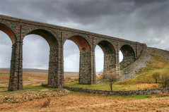 (#3.385) Ribblehead Viadukt, North Yorkshire (unicorn 81) Tags: explorephoto explore uk england northyorkshire ribbleheadviadukt yorkshiredalesnationalpark ribblehead viaduct onthesettletocarlislerailwayline river ribble valley vereinigteskönigreich vereinigtes königreich settlenachcarlislerailwayline ukrailwayviadukts endecken interessant landschaft countryside landscape scenery scene natur nature wildlife gb greatbritain