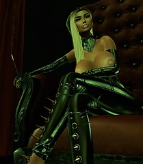 she waits (XITA KIRA) Tags: avatar latex fetish maitreya catwa second life