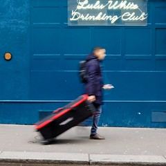 Lulu White (blur walkers ) (Jean-Marc Vernier) Tags: blur walk streetview streetwalk streetphotography streetphotographer street urban city fujifilm fujixt20