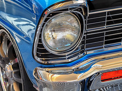 deep_blue_see (gerhil) Tags: carphotography travel event carshow autorama worldofwheels car auto classic vintage detail frontend headlight wheel tire fender grill chrome blue reflection shiny winter january2018 nikcolorefexpro4