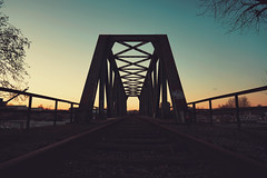 stand by me (christian mu) Tags: architecture bridge muenster münster germany sunset kanal dortmundemskanal sony sonya7riii sonya7rm3 sonnenuntergang zeiss batis batis252 252 25mm