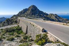 Nus de sa Corbata (since 1960) Tags: europa europe spanien spain mallorca berge mountains himmel sky baum tree nikond7000 wasser water mittelmeer mediterraneansea küste coast strase road