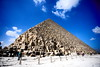 * (Gwenaël Piaser) Tags: janury 2018 janvier january2018 egypt égypte arabrepublicofegypt جمهوريةمصرالعربية ⲭⲏⲙⲓ مَصر maṣr مِصر miṣr unlimitedphotos gwenaelpiaser canon eos 6d canoneos eos6d canoneos6d fullframe 24x36 reflex rawtherapee 1740mm ef1740mmf4lusm canonef1740mmf4lusm seriel zoom lseries pyramide pyramid ϯⲡⲉⲣⲥⲏⲥ ⲅⲓⲍⲁ gizèh giza gîza guizèh الجيزة algizah gizah jizah pyramidedekhéops khéops grandepyramidedegizeh grandepyramide greatpyramidofgiza pyramidofkhufu pyramidofcheops khufu cheops sevenwonders block stones clouds cloud nuages nuage sky ciel 1000