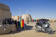 Star Wars 1999 #1 (Matthew on the road) Tags: star wars starwars 1999 georgelucas nefta tozeur tozeurgovernorate tunisia tunisie africa desert movie set movieset film cine cinema motorcycleadventures lonelytraveller december2017 matteonanni matthewontheroad