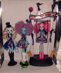 New Dolls 05.02.2018 (JadeBratz18) Tags: doll dolls monster high monsterhigh schaurig schöne show freak du chic frankie stein honey swamp rochell playset