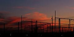 Entre rejas (portalealba on holidays) Tags: zaragoza zaragozaparque aragon españa spain sunset sol portalealba canon eos1300d nwn nubes noche