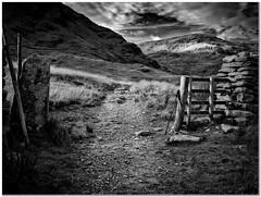 Harter Fell (Hugh Stanton) Tags: gateway wall fell path stone appicoftheweek