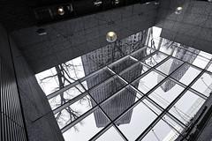 sdqH_180218_A (clavius_tma-1) Tags: sd quattro h sdqh sigma 1224mm f4 dg 1224mmf4dghsm art 新宿 shinjuku 東京 tokyo 西新宿 nishishinjuku 新宿野村ビル building roof glass grid