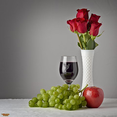 Days of Wine and Roses (MBates Foto) Tags: apple color foodandbeverage glass grapes green indoors nikon nikond810 red roses studio tabletop vase white zeisslense spokane washington unitedstates 99203
