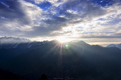 First Rays (_Amritash_) Tags: sunrise dawn firstrays flares mountains clouds magicalmorning himalayas himalayanlandscape himalayansunrise himachal greathimalayannationalpark